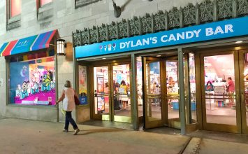 Chicago Dylan's Candy Bar